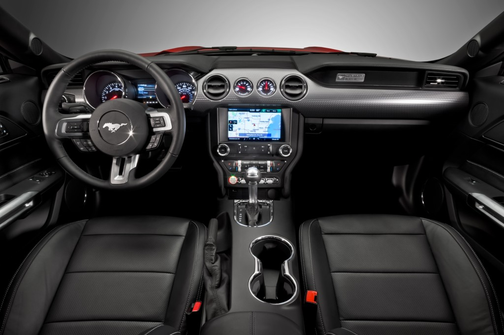 2015-ford-mustang-dash