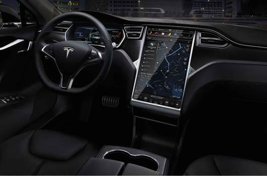 Tesla-Model-S-Plancia