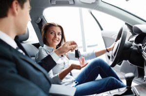 Donne al volante ...prudenza costante